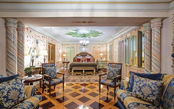 Versace Mansion2